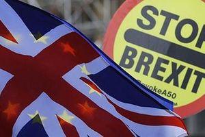 Bầu cử sớm - 'ván cờ tất tay' của ông Johnson