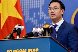 Bộ Ngoại giao phản ứng việc Operation Smile mời Thành Long sang Việt Nam