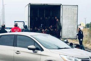 Tiếp tục phát hiện 16 người nhập cư trái phép vào Anh trong xe tải