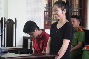 Chị trốn truy nã, em vào tù vì cấu kết đưa phụ nữ sang Trung Quốc