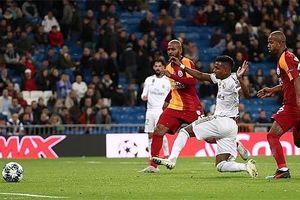 Sao trẻ Rodrygo bùng nổ, Real Madrid hạ gục Galatasaray bằng 1 set tennis