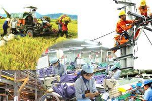 Chuyên gia dự báo tăng trưởng kinh tế giảm tốc