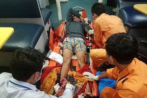 Đà Nẵng: Cứu ngư dân đứt lìa bàn chân phải trên biển Hoàng Sa trước bão số 6