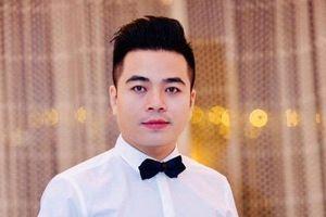 Chàng ca sĩ thủ đô và nét đẹp văn hóa trang phục của dân tộc Việt