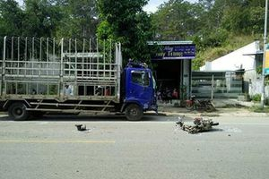 Ô tô và xe máy đối đầu, hai người tử vong