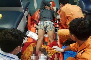 Cấp cứu ngư dân đứt bàn chân trên vùng biển quần đảo Hoàng Sa