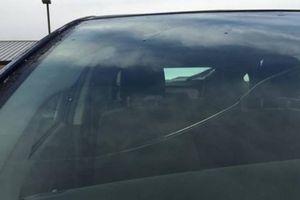 Cách xử lý các vết xước trên mặt kính ô tô đơn giản và hiệu quả
