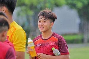 Cầu thủ U19 được fan nữ khen là thế hệ visual mới