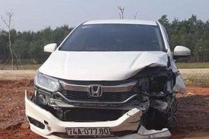 PGĐ bệnh viện tông hai người bị thương rồi chạy: 'Do hoảng'