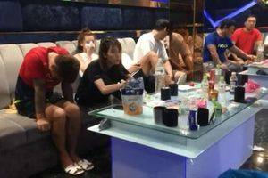 Động 'nhền nhện' phục vụ khách Trung Quốc A-Z ở Đà Nẵng
