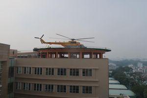 Lần đầu tiên trực thăng đáp xuống nóc bệnh viện Quân Y 175
