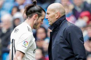 Ronaldo tức nổ đom đóm, Bale nổi loạn rời Real