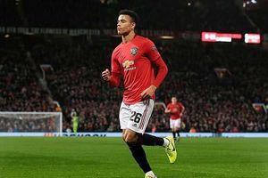Chân sút trẻ phá kỷ lục tồn tại 15 năm của Rooney tại Man Utd