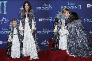 Selena Gomez cùng em gái hóa trang thành công chúa trên thảm đỏ 'Frozen 2'