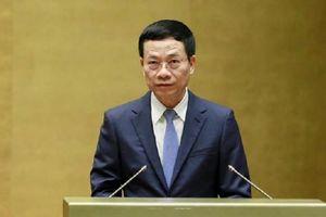 Bộ trưởng Nguyễn Mạnh Hùng: 'Tôi đi làm kính cũng bị đề nghị ghi địa chỉ, số điện thoại nhà'