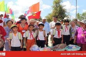 Chăm lo giáo dục ở huyện miền núi Tri Tôn