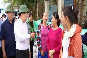 Phó Thủ tướng Trịnh Đình Dũng kiểm tra chống bão ở Bình Định