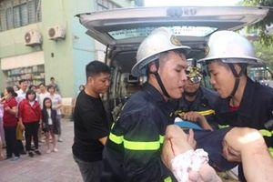 Kịp thời dập tắt đám cháy ở chung cư A4 Làng Quốc tế Thăng Long