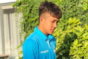 Chàng cầu thủ U19 Việt Nam gây mê nhờ gương mặt 'búng ra sữa'