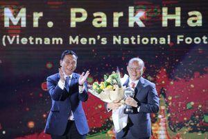 Thầy Park và 'trò cưng' Quang Hải được vinh danh ở 'AFF Awards 2019'