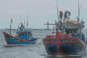 Tàu cá Việt tránh trú bão tại cảng của Philippines