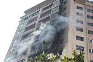 Hà Nội: Cháy lớn tại chung cư 10 tầng trong làng quốc tế Thăng Long