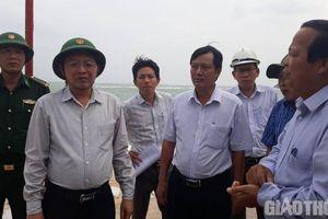 Lãnh đạo Bình Định hủy họp, trực tiếp chỉ đạo phòng chống bão số 6