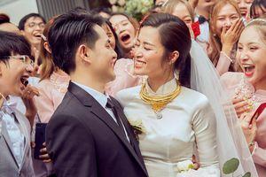 Đông Nhi - Ông Cao Thắng không cho khách mời mang smartphone dự lễ cưới