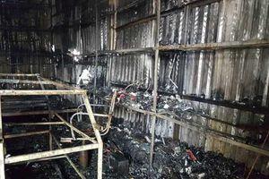 Ninh Bình: Cháy chợ Gián Khẩu, nhiều ki ốt bị ngọn lửa thiêu rụi