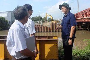 Quyết liệt đẩy nhanh tiến độ, đảm bảo chất lượng công trình cầu Rạch Nhum và Rạch Tra