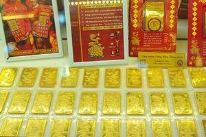Giá vàng SJC và giá vàng thế giới giảm mạnh