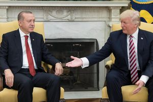 Tổng thống Thổ Nhĩ Kỳ tuyên bố sẽ đích thân trả tận tay ông Trump bức thư 'bất lịch sự'