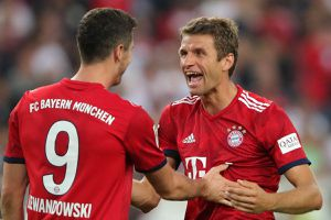 Lewandowski và Mueller cùng lập kỷ lục sau trận thắng của Bayern