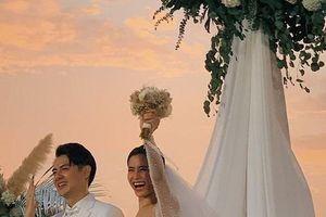 Đông Nhi - Ông Cao Thắng song ca bài hát mới, cùng dàn khách mời 'quẩy' hết mình trong lễ cưới