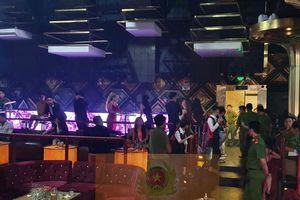 35 người dương tính ma túy trong quán bar lúc nửa đêm