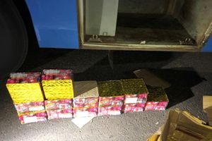 Đắk Lắk: Phát hiện xe khách vận chuyển gần 50kg pháo lậu
