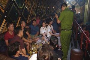Tiếp tục phát hiện 35 người dương tính với ma túy ở quán bar