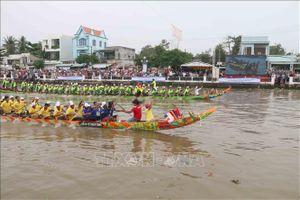 Giải đua ghe Ngo tỉnh Trà Vinh mừng lễ hội Ok Om Bok năm 2019