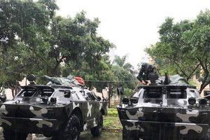 Bình Định: Huy động xe bọc thép để kịp thời ứng cứu người dân trong bão số 6
