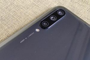 Xiaomi Mi A3 giảm giá 'sập sàn' tại Việt Nam