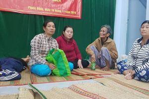 Nha Trang: Hàng ngàn hộ dân vùng sạt lở đến nơi an toàn trú bão