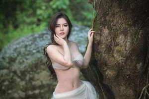 Thí sinh bỏ thi Hoa hậu Hoàn vũ Việt Nam 2019 tung ảnh gợi cảm giữa núi rừng