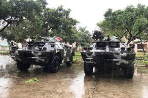 Huy động 10 xe bọc thép đến vùng tâm bão Nakri để sẵn sàng ứng cứu người dân