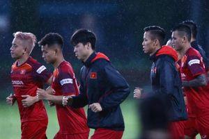 Danh sách tuyển Việt Nam đấu Thái Lan và UAE vừa được thầy Park chốt có gì mới?