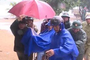Sơ tán khẩn cấp hàng chục nghìn người trước bão số 6