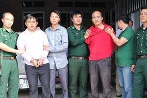 Khen thưởng đơn vị triệt phá chuyên án vận chuyển 220 bánh heroin