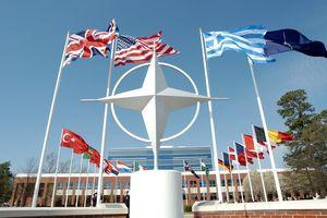 Câu hỏi về sự tồn tại về NATO