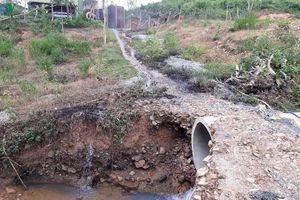 Phát hiện dầu thải bị đổ xuống đầu nguồn sông Hiếu, tỉnh Quảng Trị