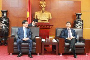 Bộ trưởng Trần Tuấn Anh tiếp Chủ tịch Cơ quan Xúc tiến Thương mại và Đầu tư Hàn Quốc (KOTRA)