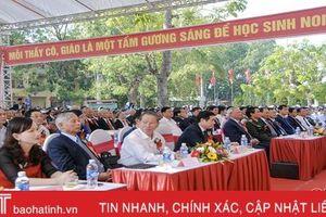 Phó Chủ tịch Quốc hội Uông Chu Lưu dự kỷ niệm 60 năm thành lập Trường THPT Trần Phú